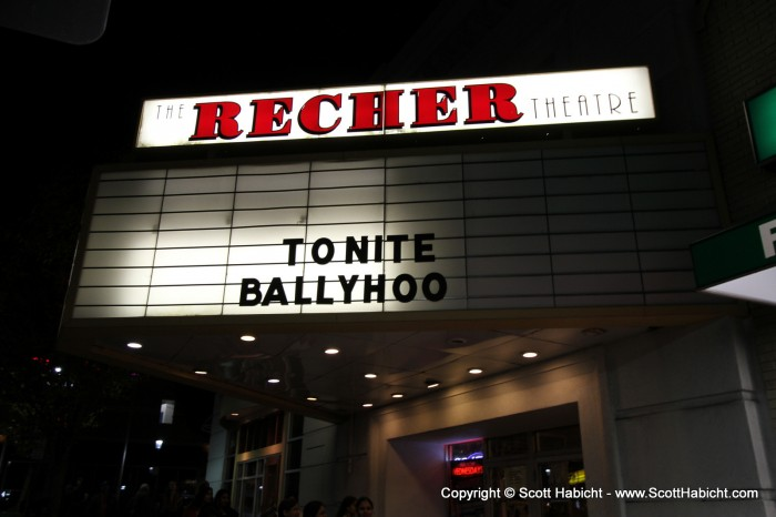 The headliner was the only band on the marquee for this Halloween weekend show.