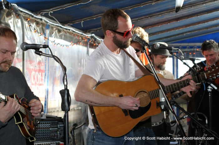 "Check out the album ""Saltwater String Band @ Harborside - Ocean City, MD"" for those pictures."